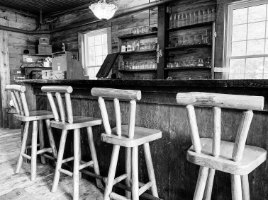 gallery/detail2-great-room-portage-inn-sm
